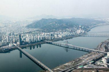 Blikající světla na přechodech v Jižní Koreji. K čemu slouží?