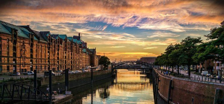 Známá města a méně známé fakty. Buďte v obraze, než vyjedete na dovolenou