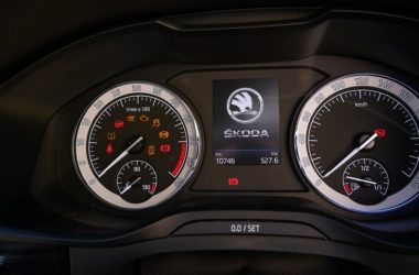Automobilka Škoda svolává auta do servisu. Jaké modely mají problém?