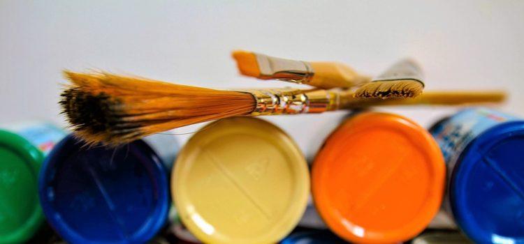 Podívejme se barvám pod pokličku. Jaké barvy patří do naší domácnosti?