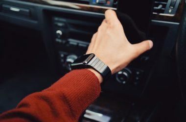 Proč dnes lidé investují do chytrých hodinek?
