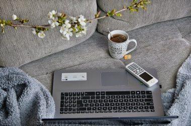 Koronavirus stále nutí zaměstnance pracovat z domova. Jak se ale vyhnout prokrastinaci?